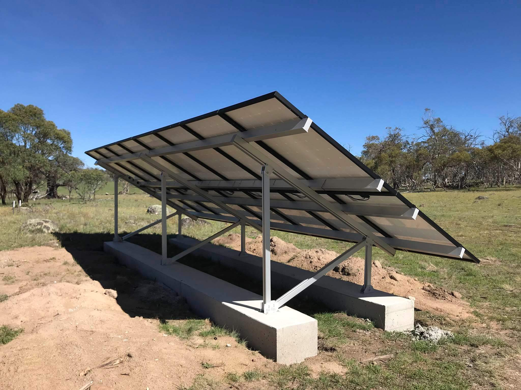 Snowy Regional Solar - Ground mounted array, Hill Top, NSW 1
